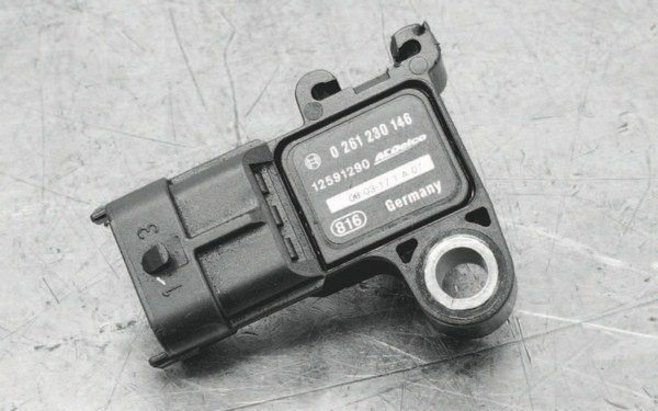 The MAP sensors for LS engines are mostly interchangeable, except for the LS7 sensor. Here's the factory 2-bar sensor for LS9/LSA engine. Adding a higherpressure sensor must be accounted for when programming the controller.