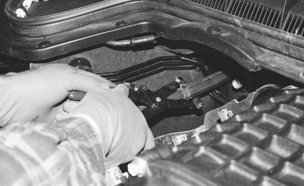 """Among the plumbing changes brought on by the supercharger system (at least on the G8 GT depicted here) is the need for longer heater hoses. Typically, they're included with the inclusive kits and may not be included with """"tuner"""" kits."""