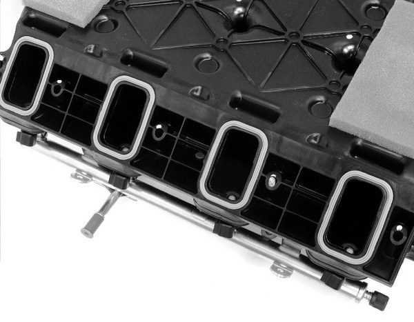 With reusable rubber gaskets that fit into the intake itself and seal each runner, the manifold can be removed and installed without having to replace the gaskets. This not only saves money, but it also eliminates the risk of blocking off the intake runners due to gasket misalignment.